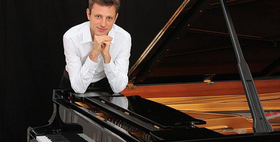 Maxime Zecchini au Piano