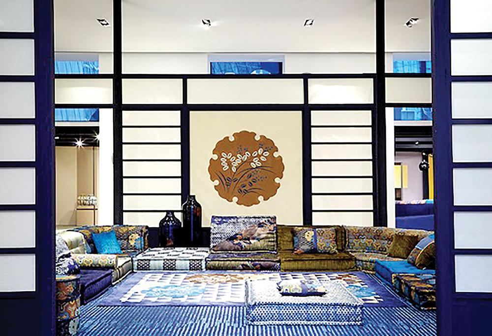 roche bobois propose une collection par kenzo takada. Black Bedroom Furniture Sets. Home Design Ideas