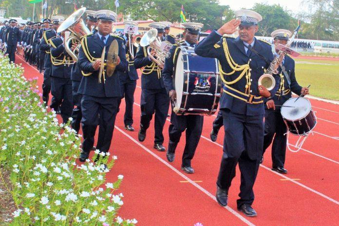 Parade de la police, fête nationale à Rodrigues