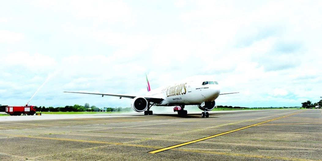 Emirates se pose à Yangon et Hanoi