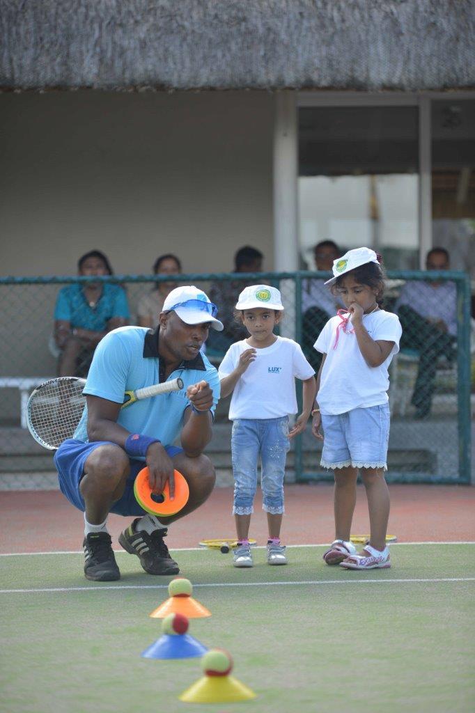 LUX* BELLE MARE - Les enfants initiés au Teddy Tennis