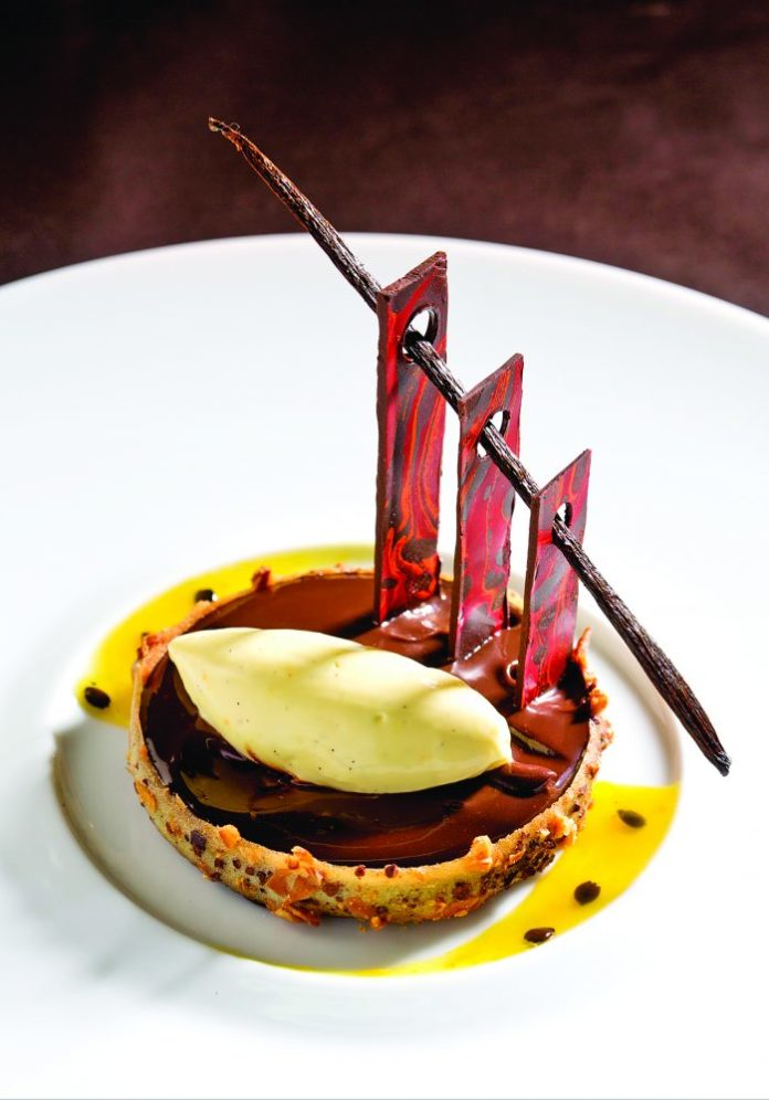 Tartelette au chocolat de kumabo, crème glacée à la vanille de Maurice