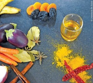 Agneau façon tajine et ses médaillons de fruit a pain parfumés à la cardamone