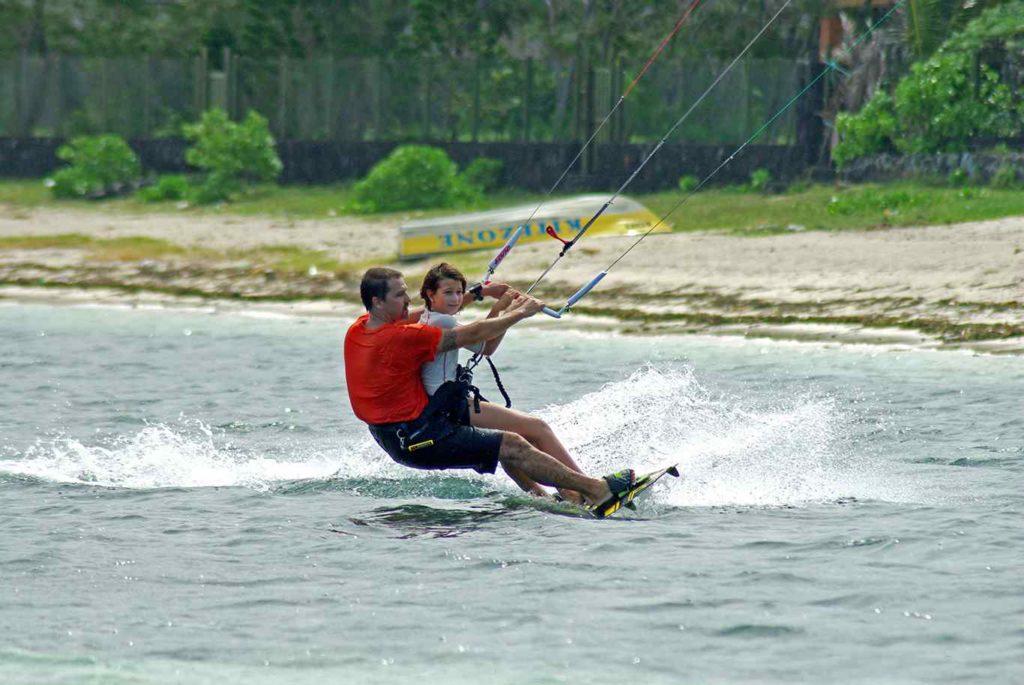 Kiteurs du coeur : sport nautique pour tous à Maurice