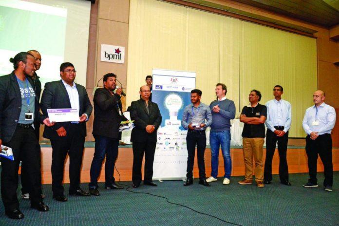 Molesson.mu remporte la première édition du Startup Weekend Mauritius