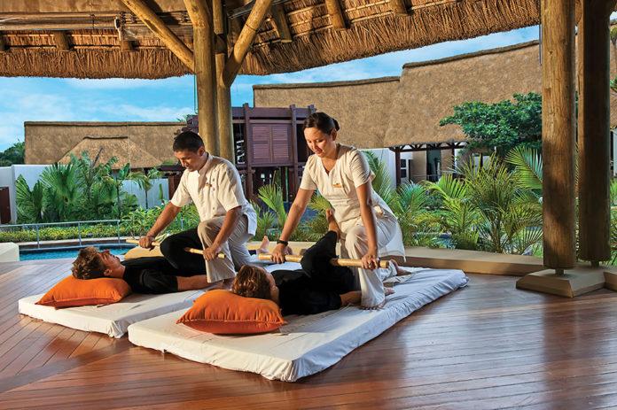 Maritim Tropical Flower Spa, Bamboo Massage